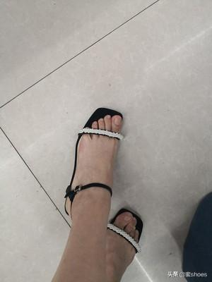 Encounter This Pair Of French Style Transparent Heel Sandals Go In No Problem I Believe Every Girl Will Want A Pair Of Romantic Crystal Shoes This Pair Of Sandals Satisfies All My Imagination